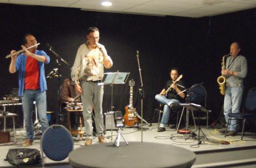 Leo (fluit), Felix (voordracht), Brandon (gitaar), René (sax)